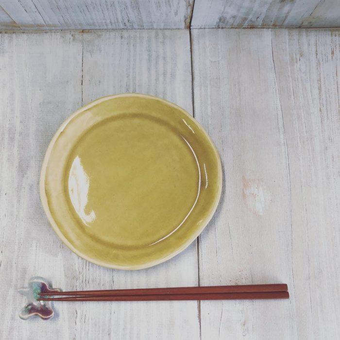 ウエルフェアトレード 器れもん工房 艶々できれいなお月様みたいな黄瀬戸釉のうつわ